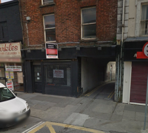 The entrance to Wrightson's Lane, which the attacker fled down after robbing and assaulting his 78-year-old victim